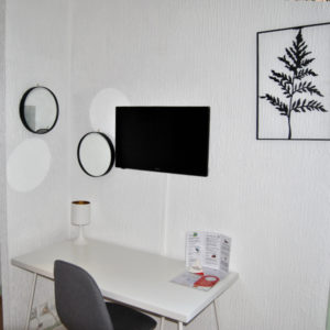 HOTEL-LE-THUROT-SECTION-GALERIE-CHAMBRE-ROSE-3